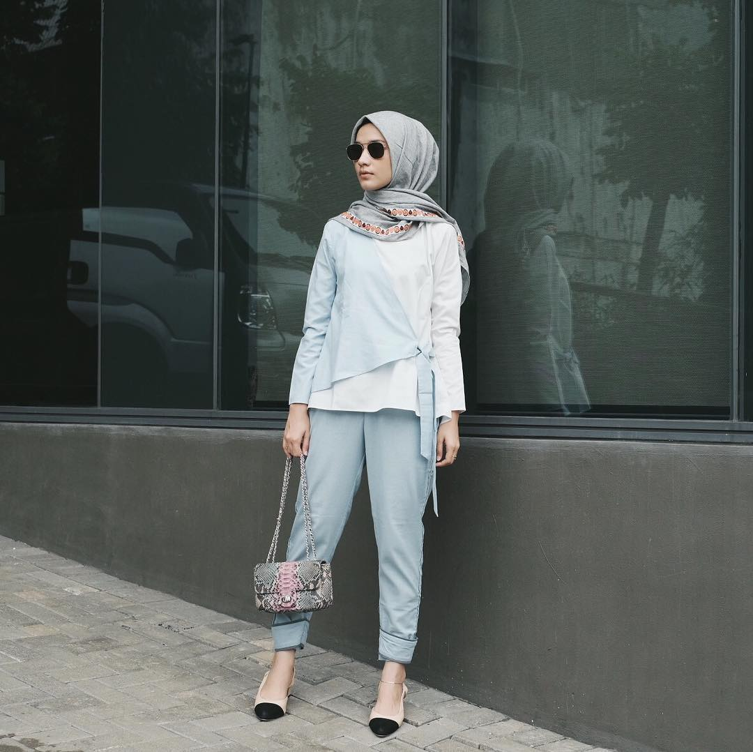 30 Inspirasi Fashion Hijab Selebgram 2018