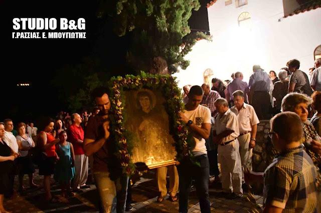 Η εορτή της Αγίας Παρασκευής στο ιστορικό εκκλησάκι στους πρόποδες του Παλαμηδίου (βίντεο)