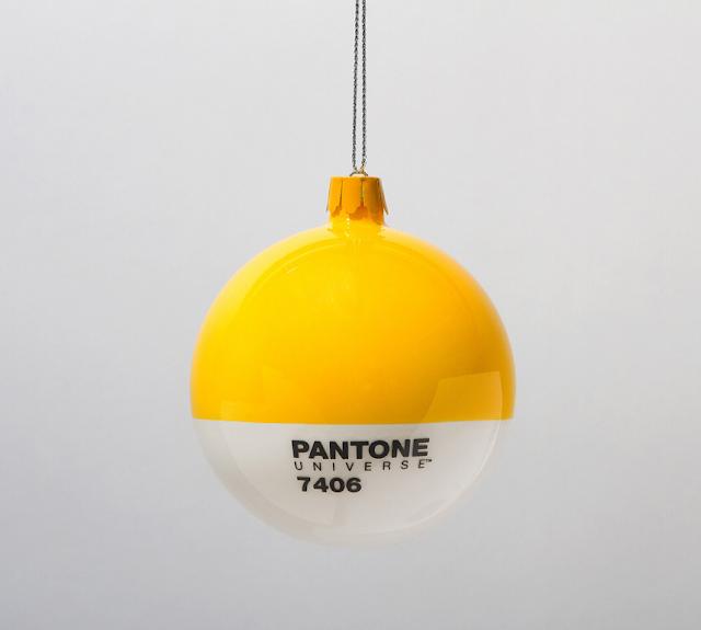 Pantone Xmas balls yellow