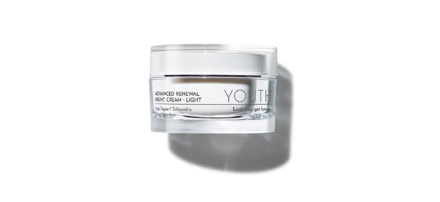 YOUTHTM Advanced Renewal Night Cream - Light - menggalakkan proses pembaharuan sel kulit anda semasa anda tidur.