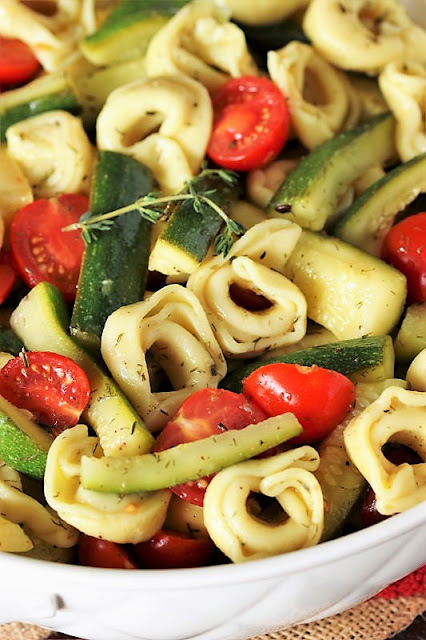 How to Make Summer Vegetable Tortellini Salad Image