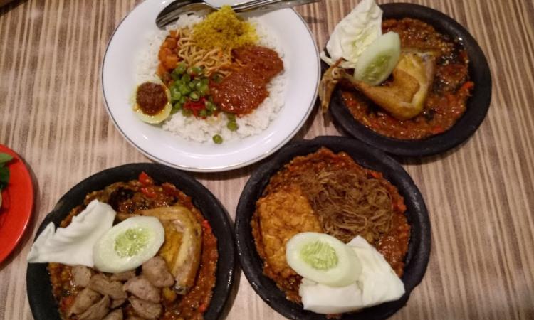 11 Tempat Makan di Mojokerto Paling Enak & Murah