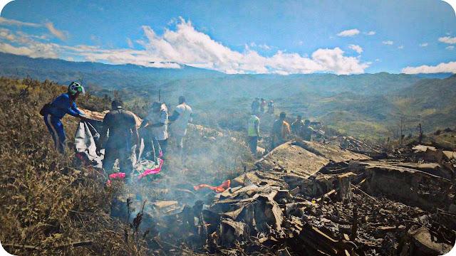 Pesawat Herkules TNI AU Jatuh di Gunung Lisuwa