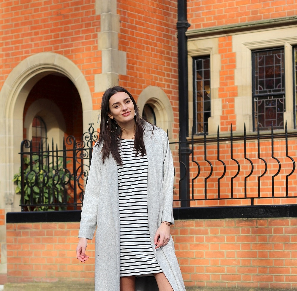 grey stripes peexo fashion blogger