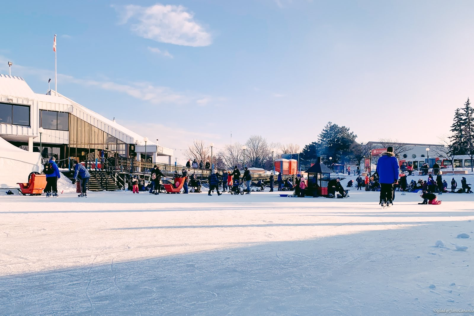 How I Learn to Ice Skate in My First Try: Winterlude in Ottawa
