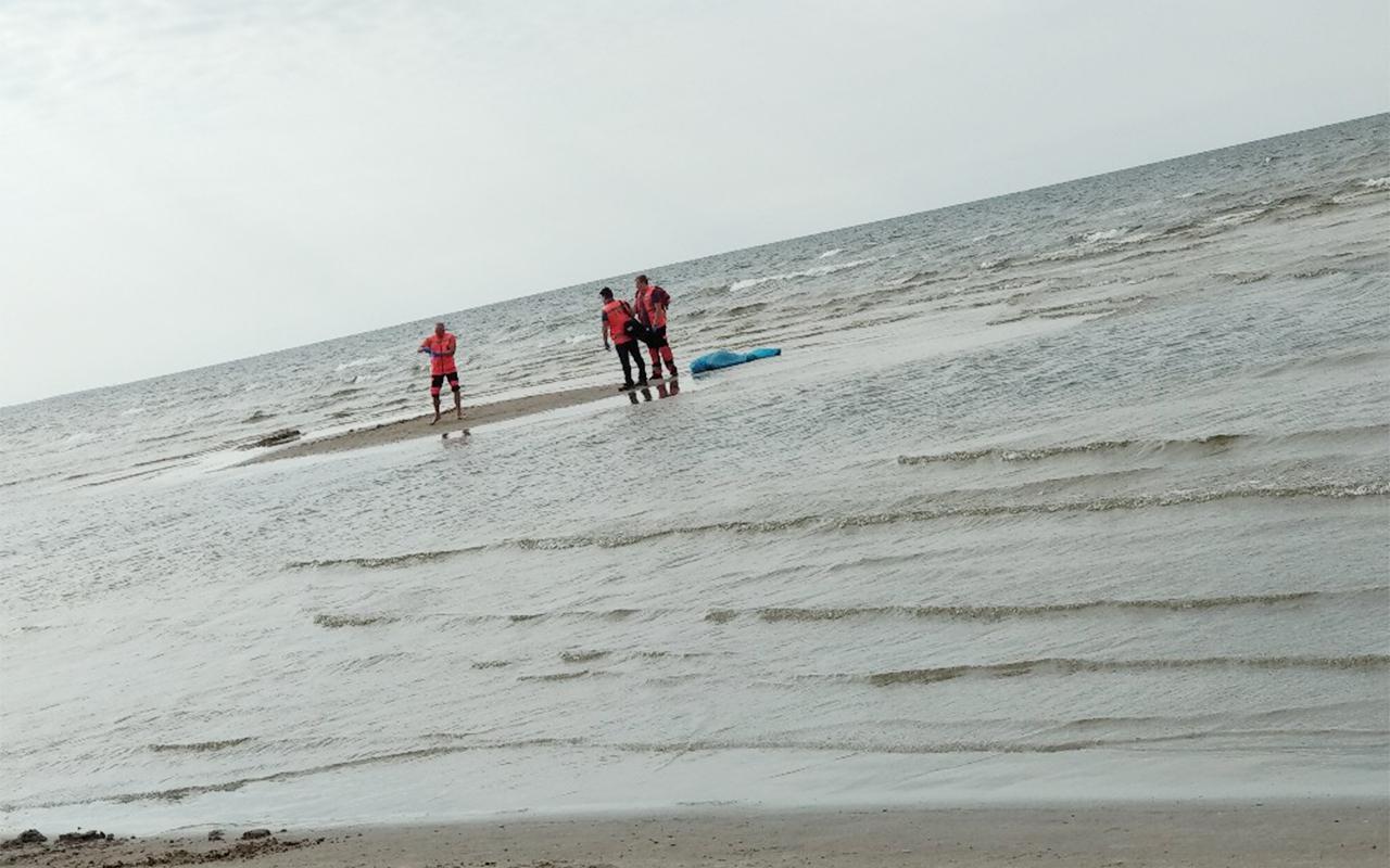 Pie Lielupes ietekas jūrā noslīkst cilvēks