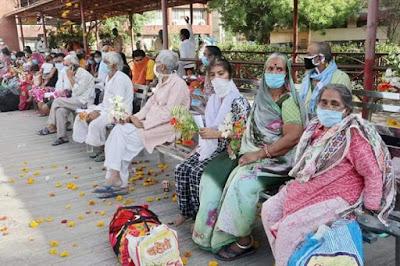 Ujjain News : कोरोना से लड़ाई में आज निर्णायक बढ़त, जिले के 113 कोरोना पॉजीटिव मरीज ठीक होकर एकसाथ घर वापसी / MP Corona News