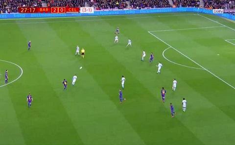 Messi trả lễ cho Alba ở phút 28