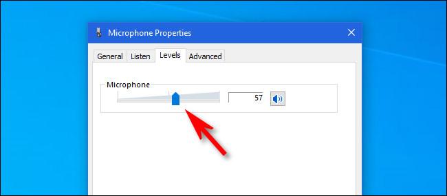 انقر فوق شريط تمرير مستوى الصوت واستخدمه لضبط حجم إدخال الميكروفون.
