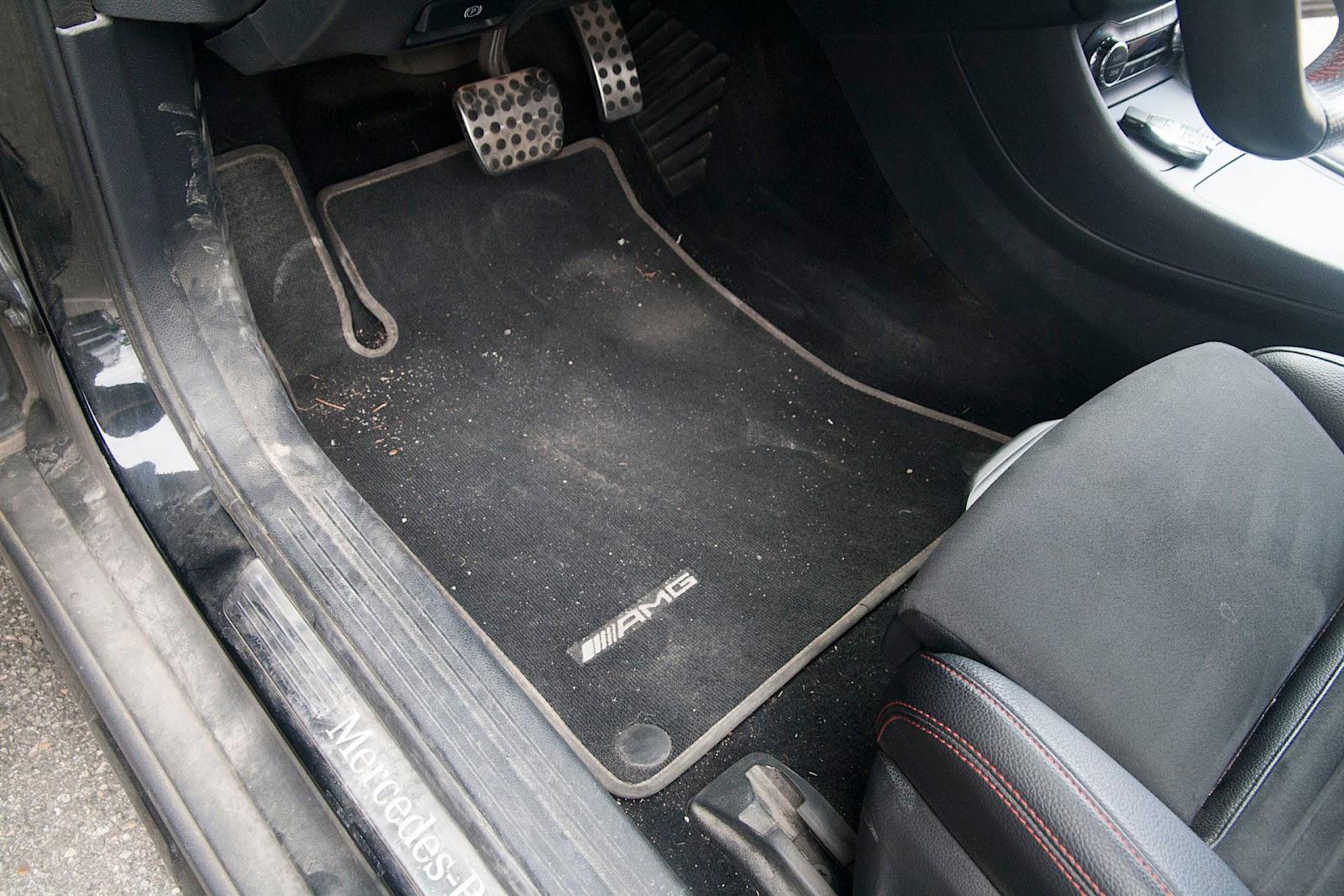 Les saletés sont très incrustées dans les tapis et moquettes.