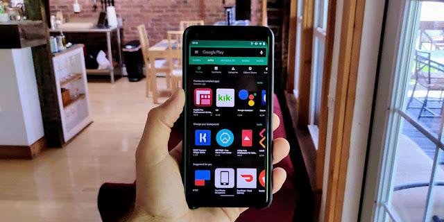 إذا كان لديك هاتف بأندرويد 9 فيمكنك الآن تفعيل الوضع المظلم في غوغل بلاي وإليك الطريقة