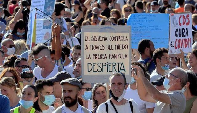 Protesta en Madrid contra el uso de la mascarilla