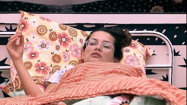 BBB 21: Juliette questiona quem Gil imunizaria com colar do Anjo