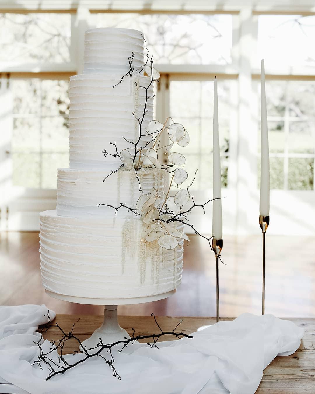 morgan journal photography weddings cake