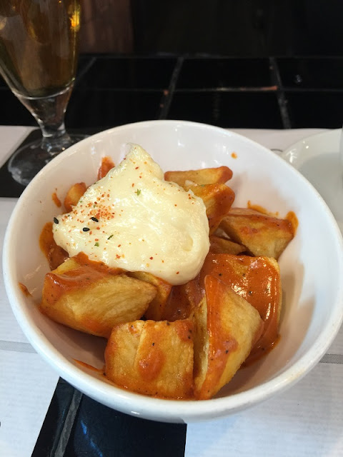 Plato de bravas en el Central bar by Ricard Camarena