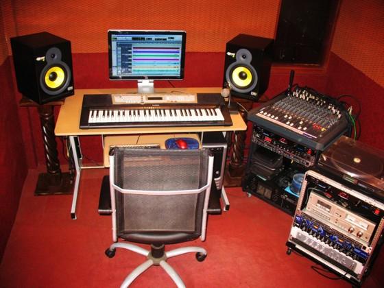 noticias diarias estudio de grabaciones. Black Bedroom Furniture Sets. Home Design Ideas
