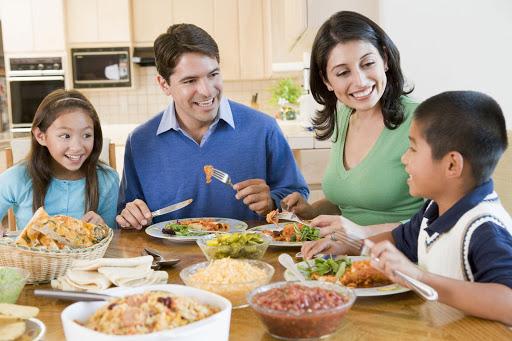Nên uống thuốc bổ sau bữa ăn đã giảm thiểu tối đa những tác dụng phụ