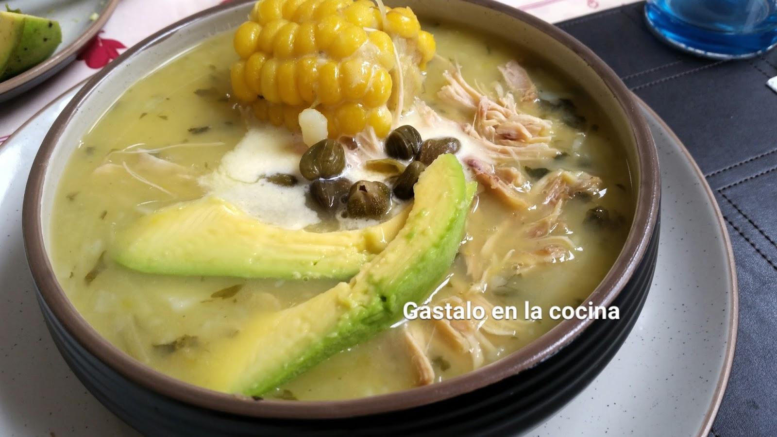 Gastalo En La Cocina Ajiaco Santafereno Colombiano