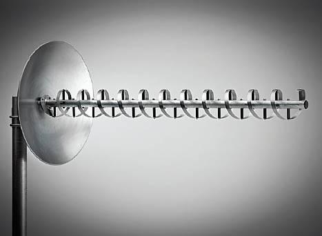 الهوائي الحلزوني Helical antenna