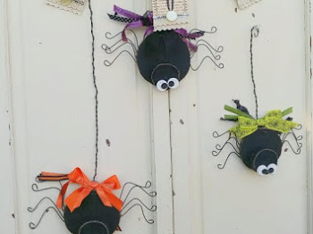 Cute DIY Halloween Spiders