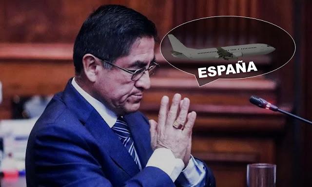 César Hinostroza se fugó a España