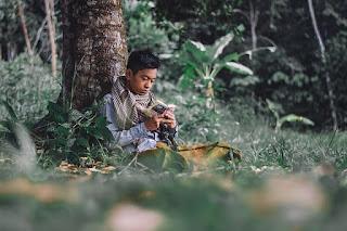 Foto Lelaki Berdoa