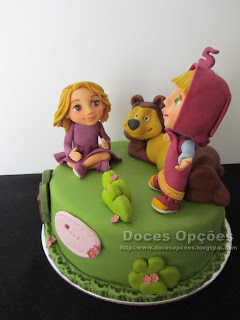 masha bear cake