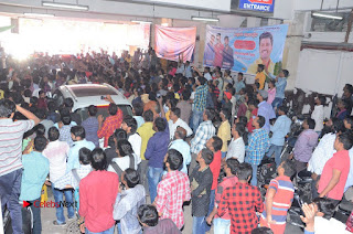 Shatamanam Bhavati Team at Sandhya Theater  0144.JPG
