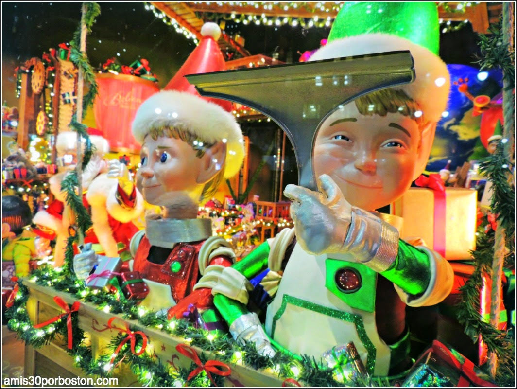 Escaparates de Navidad en Nueva York: Duendecillos en el Macy´s