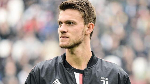 Tiết lộ bất ngờ của cầu thủ Serie A đầu tiên nhiễm Covid-19