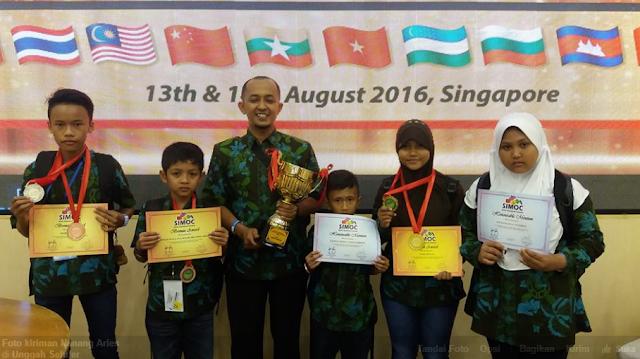 Siswa Madrasah Asal Jepara, Jawa Tengah Mendapat Medali Emas Di Olimpiade Matematika Di Singapura