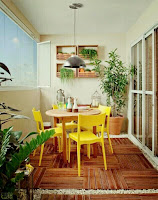 Balcony design with small dining area