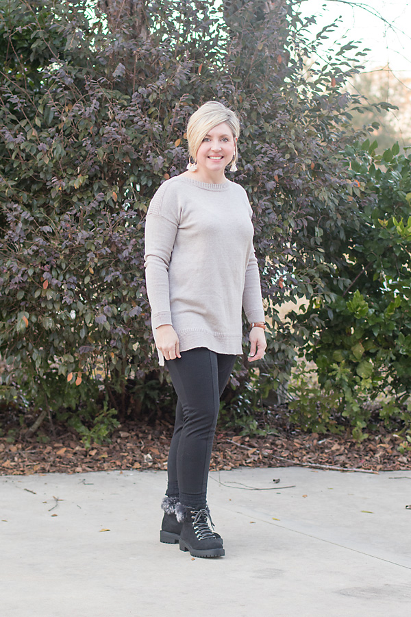 A super casual weekend outfit and Five things for Friday