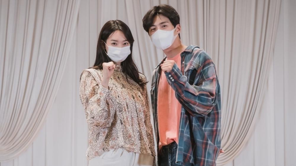 Starring Kim Seon Ho and Shin Min Ah, 'Hometown Cha-Cha-Cha' Release The Broadcast Schedule on Netflix