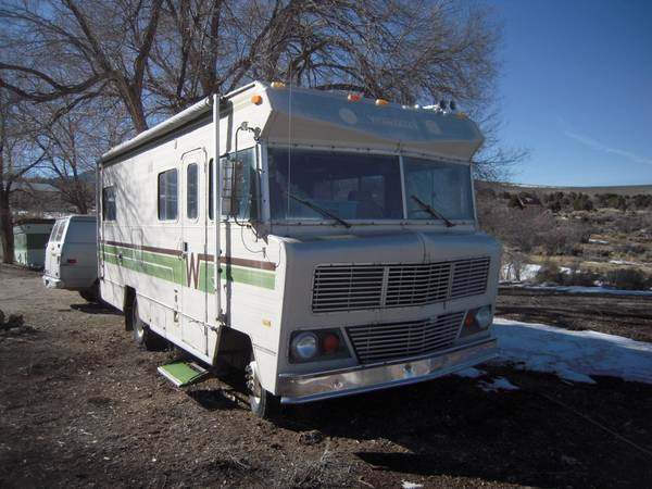 Used rvs vintage winnebago chieftain rv for sale by owner for Classic motor homes for sale