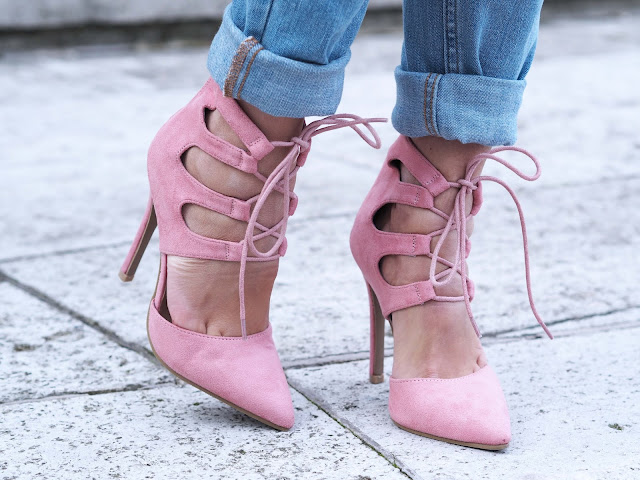 pink shoes outfit