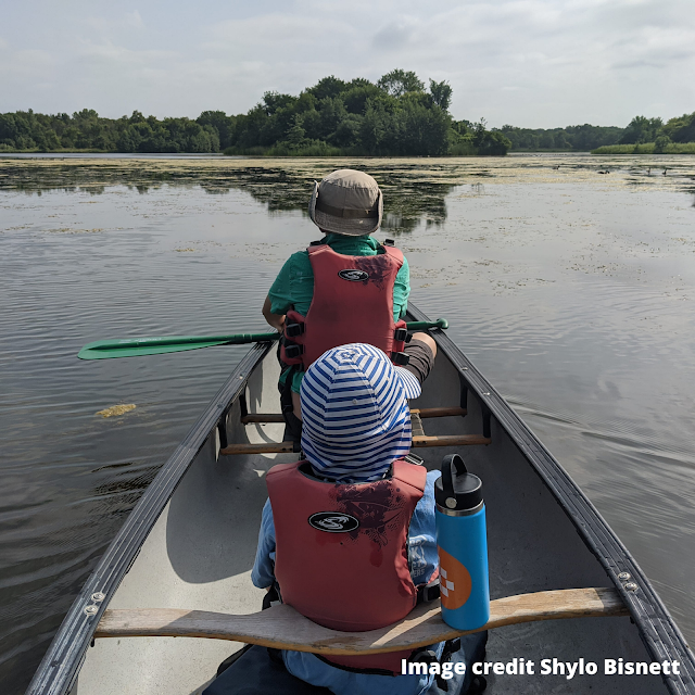 Canoeing with kids at Busse Lake. Image credit Shylo Bisnett.