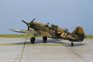 P-40B Warhawk d'Airfix au 1/48.