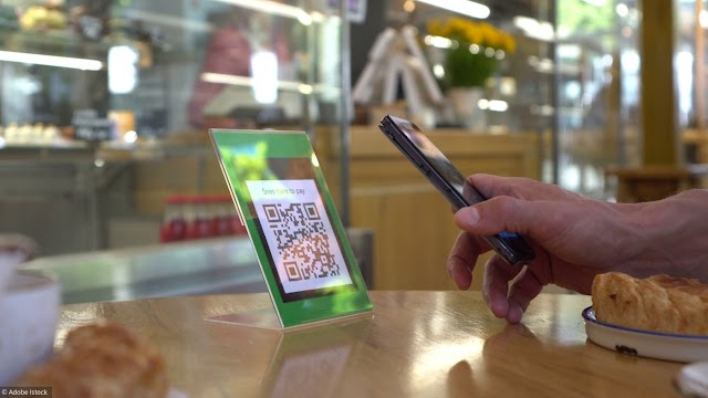 Smartphone: how to read a QR code?
