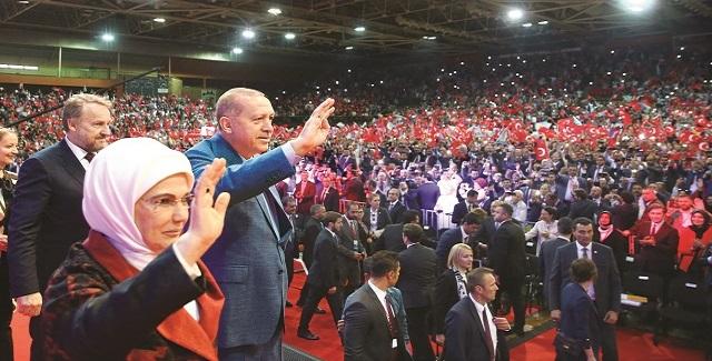 Φήμες για νοθεία λίγο πριν ανοίξουν οι κάλπες στην Τουρκία