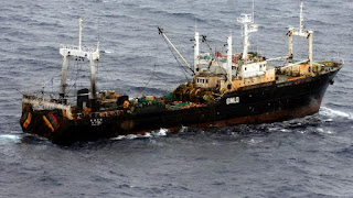 China drives boats out of South China Sea