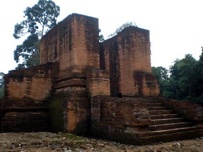 Temple of Muaro Jambi - http://www.traveltojambi.com