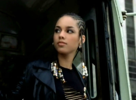 "INSIDE RAVEN'S MIND: 1st On The 1st: Alicia Keys ""Fallin"""