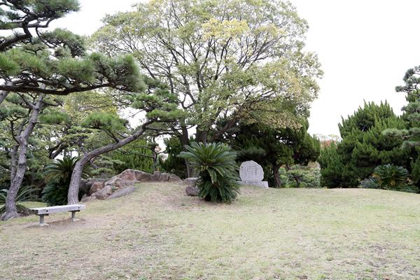 一等三角点のある日本一低い山 蘇鉄山(そてつやま) <大阪 堺市 大浜公園>