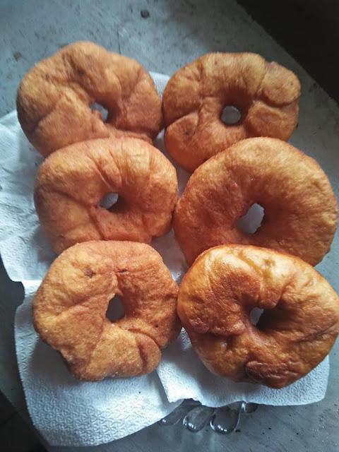සැමන් ඩෝනට්ස් හදමු (Saman Donuts Hadamu)  - Your Choice Way