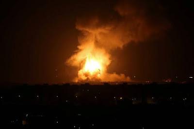 Israel bombardeia Gaza depois de Netanyahu ser forçado a deixar comício