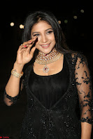 Sakshi Agarwal looks stunning in all black gown at 64th Jio Filmfare Awards South ~  Exclusive 127.JPG