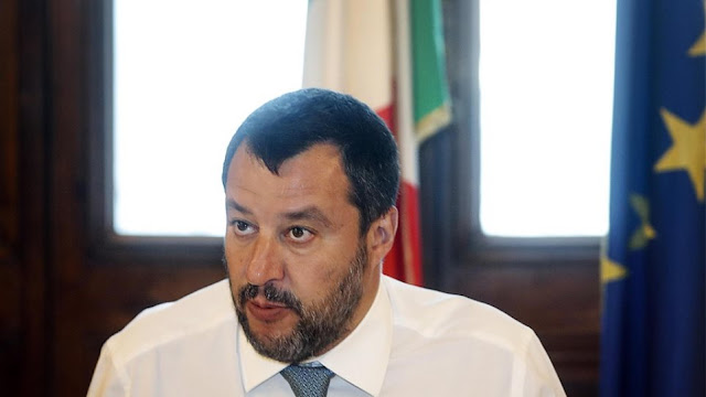 Ιταλία: Ο Σαλβίνι «περνάει» πρόστιμα μέχρι και 1 εκατ. ευρώ σε όσους βοηθούν μετανάστες