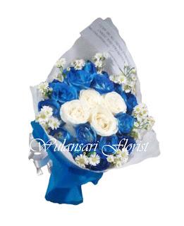 Hand Bouquet Mawar Biru