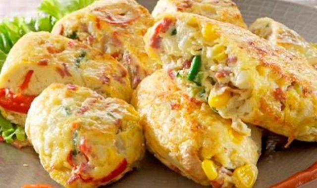 Hidangan Telur Dadar Bawang Bombai Keju Cabai Yang Lezat